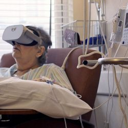 Mon health center works in virtual reality with patients