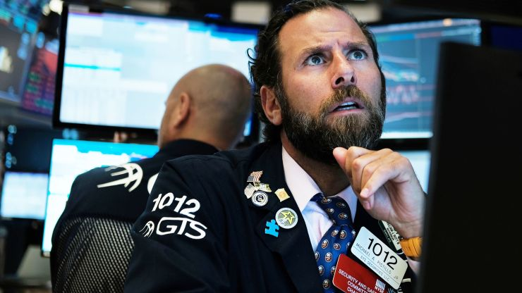 Hedge funds are dumping tech stocks for health care -