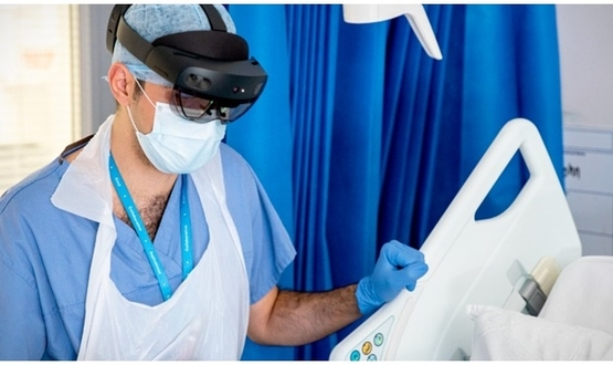 Imperial College docs using Microsoft HoloLens for Covid-19 ward rounds -