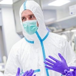 Coronavirus Safety officials had 'political' pressure to approve PPE -